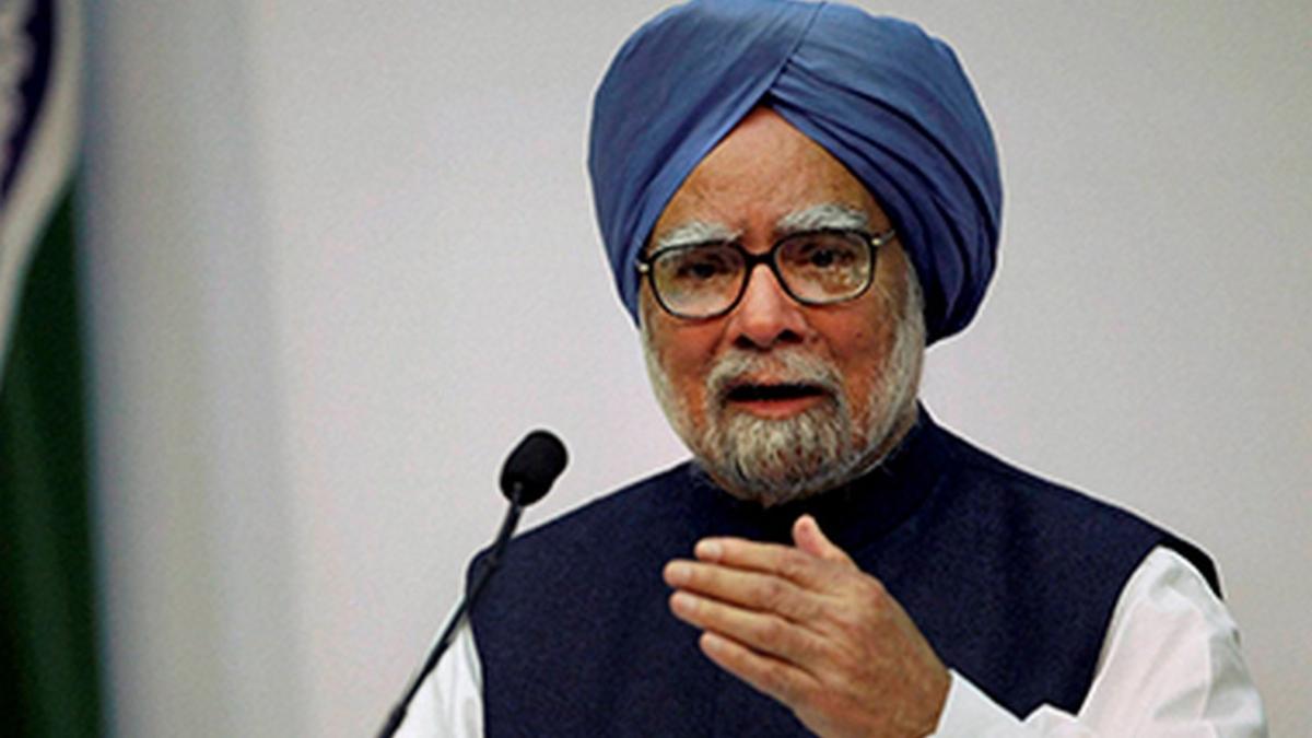 बदले की राजनीति छोड़कर अर्थशास्त्रियों की सुने मोदी सरकार, तभी उबरेगा देश मंदी से: मनमोहन सिंह