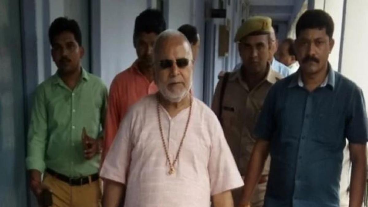 यौन उत्पीड़न मामले में बीजेपी नेता चिन्मयानंद की बढ़ी मुश्किलें, किया गया नजरबंद, दिव्य धाम का बेडरूम सील