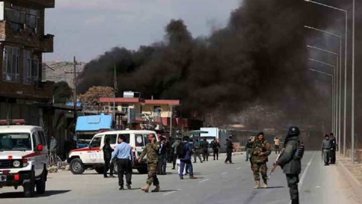 बम धमाकों से फिर दहला अफगानिस्तान, शुक्रवार को नमाज के दौरान मस्जिद में दो धमाकों से 18 लोगों की मौत, 50 घायल