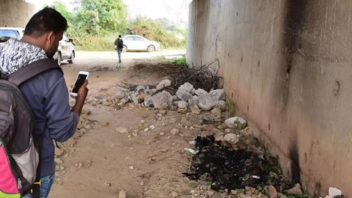 हैदराबाद में महिला डॉक्टर को जहां रेप के बाद जिंदा जलाया गया वहीं मिला एक और महिला का जला हुआ शव