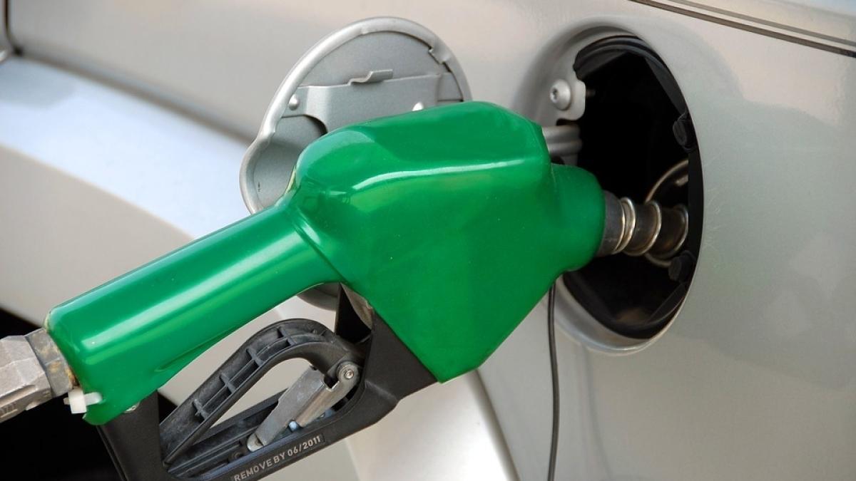 व्यापार की 5 बड़ी खबरें: DHFL पर करीब 96 हजार करोड़ रुपए का कर्ज और पेट्रोल की कीमत 1 साल के ऊंचे स्तर पर