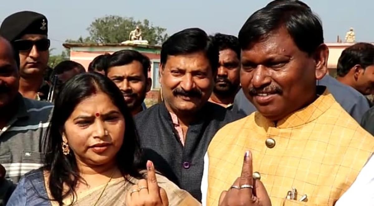 झारखंड विधानसभा चुनाव LIVE: झारखंड विधानसभा की 20 सीटों पर मतदान खत्म, 64 प्रतिशत से ज्यादा वोटिंग