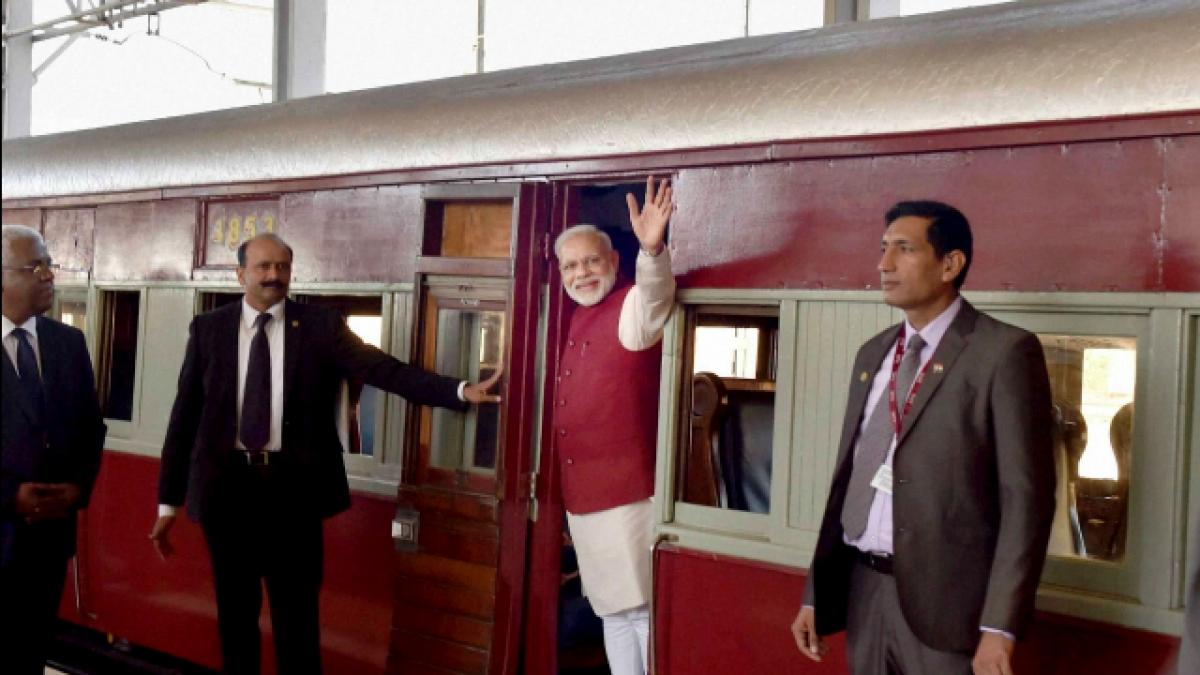 मोदी राज में भारतीय रेल भी हो गई फेल, सीएजी रिपोर्ट से खुलासा, दो फीसदी कमाई तक नहीं कर पा रहा रेलवे