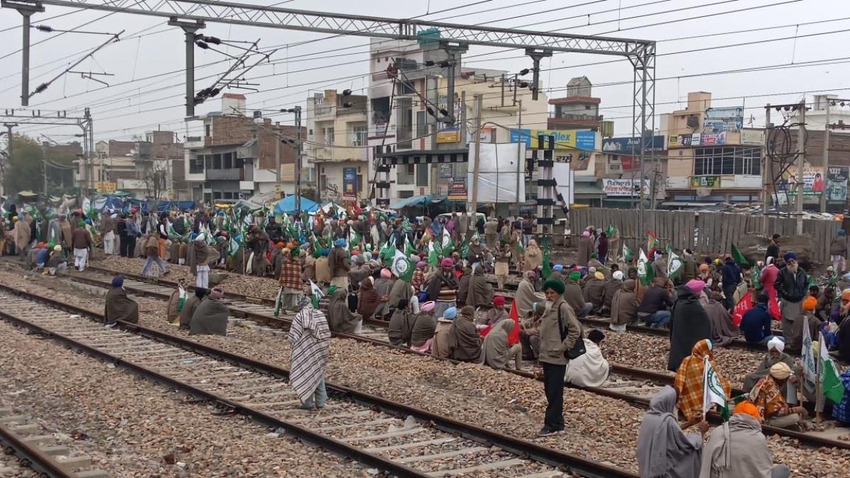 अर्थव्यवस्था, रोजगार, किसानों की परेशानी समेत हर मुद्दे पर मोदी सरकार फेल, इसलिए सड़क पर उतरे लोग: कांग्रेस