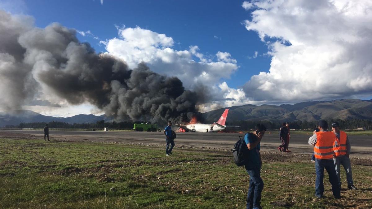 दुनिया की 5 बड़ी खबरें: अफगानिस्तान में विमान हादसे ने ली 83 जानें और चीन में कोरोना पीड़ितों से मिले पीएम