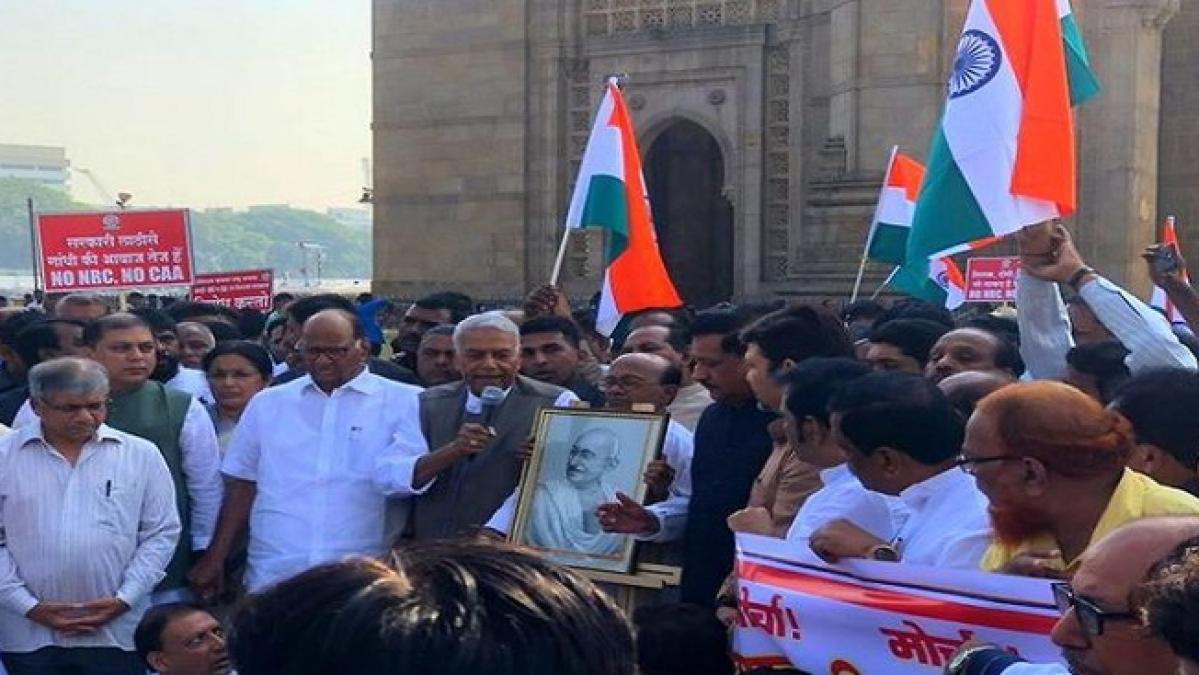CAA-NRC के खिलाफ यशवंत सिन्हा का 'गांधी शांति यात्रा' शुरू, 21 दिनों में 3000 किमी करेंगे मार्च