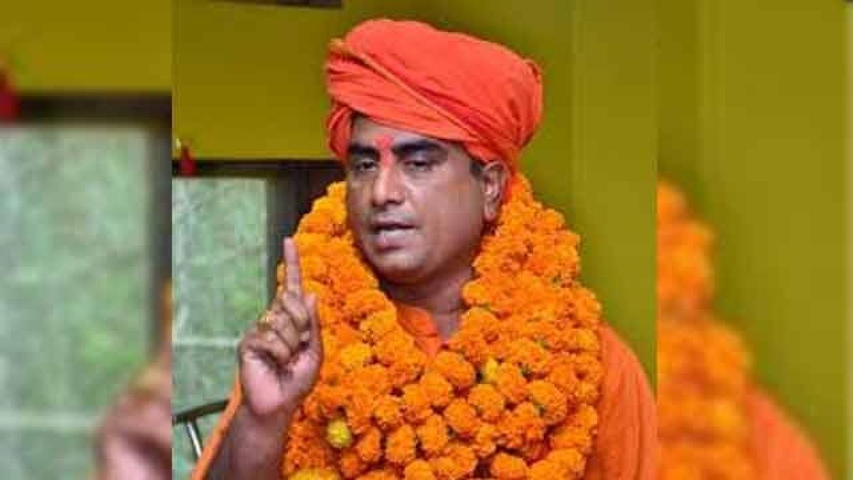 लखनऊ: विश्व हिंदू महासभा के अध्यक्ष रंजीत बच्चन की हत्या मामले में  एक शूटर गिरफ्तार, पुलिस ने किए कई खुलासे