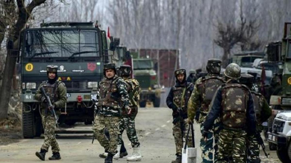 जम्मू-कश्मीर: पुलवामा में सुरक्षा बलों से मुठभेड़ में 3 आतंकवादी ढेर, अंसार गजवतुल-हिंद के थे आतंकी
