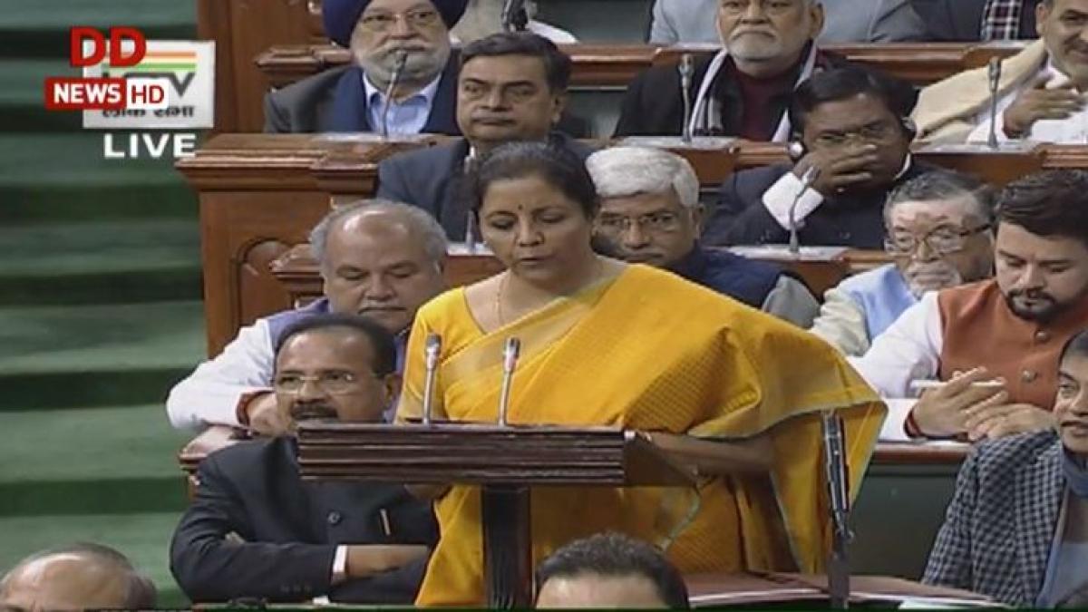 बजट 2020: वित्त मंत्री निर्मला सीतारमण ने लोकसभा में पेश किया देश का बजट, जानें आपके लिए क्या है खास