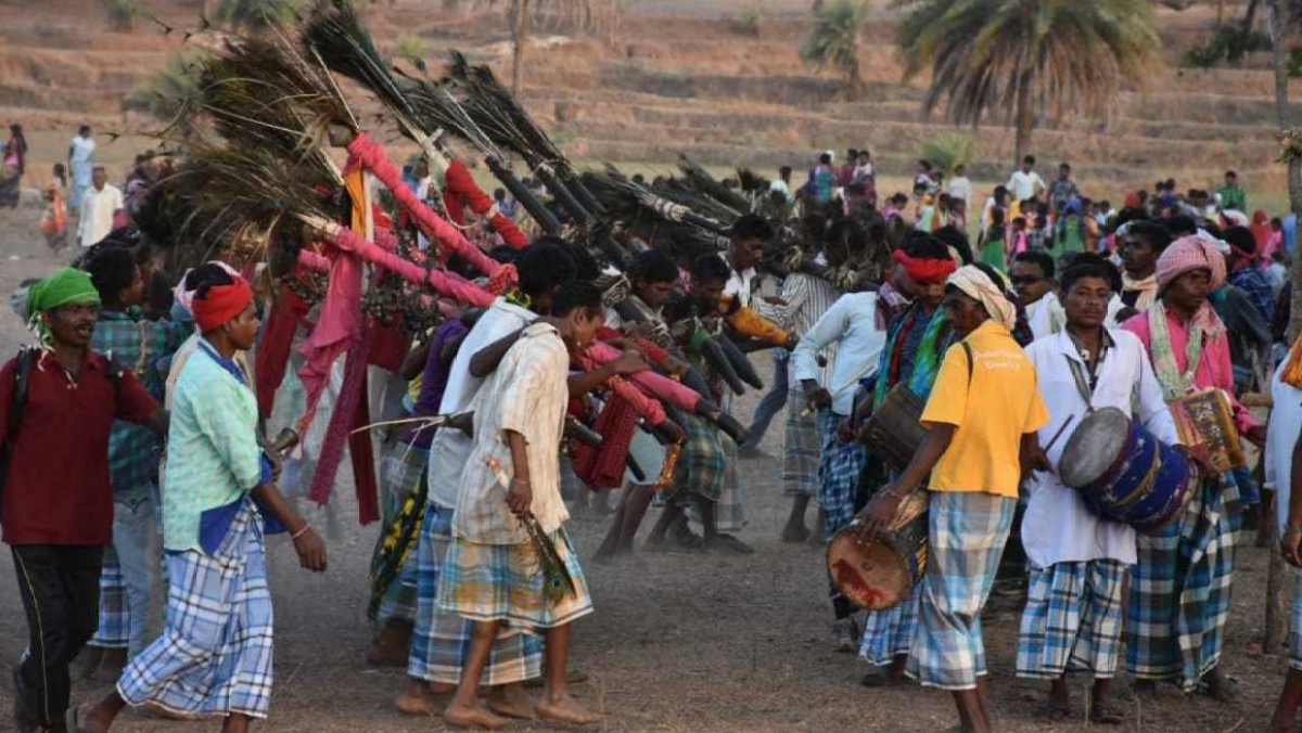राम पुनियानी का लेखः जनगणना में आदिवासियों को लेकर RSS की सामने आई मंशा, 'हिंदू' लिखाने की मुहिम में जुटेगा संघ