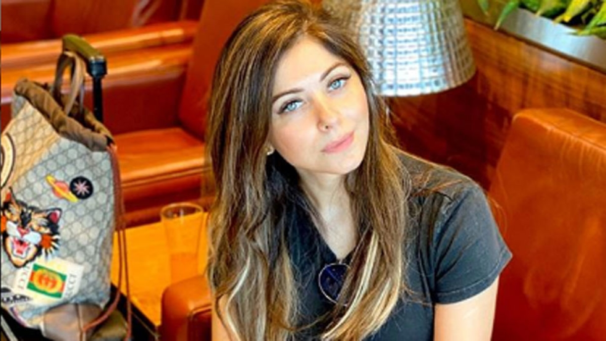 Kanika Kapoor positive for 5th time and Vicky Kaushal donated one crore rupees for Corona