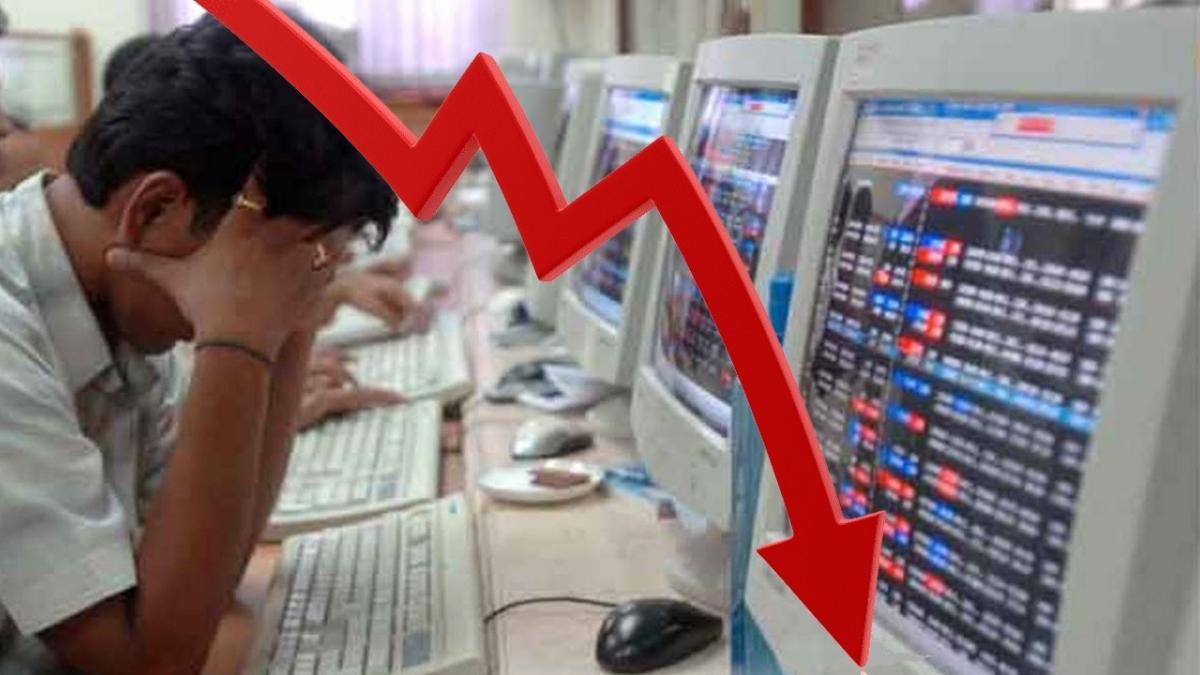 निर्मला सीतारमण की प्रेस कांफ्रेंस से शेयर बाजार में निराशा, राहत पैकेज ऐलान न होने से गंवाई आधे से ज्यादा बढ़त