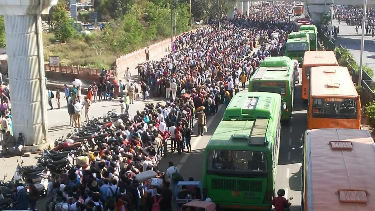 लॉकडाउन में दोहरी मार सह रहे लाखों दिहाड़ी मजदूर, राहुल-प्रियंका ने जताई चिंता, कांग्रेस की सरकार से 3 मांगे