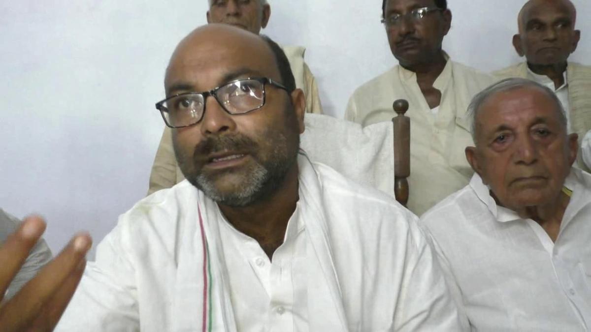 मोदी और योगी सरकार ने बुंदेलखंड के साथ नहीं किया न्याय, किसान कर रहे आत्महत्या : अजय कुमार लल्लू