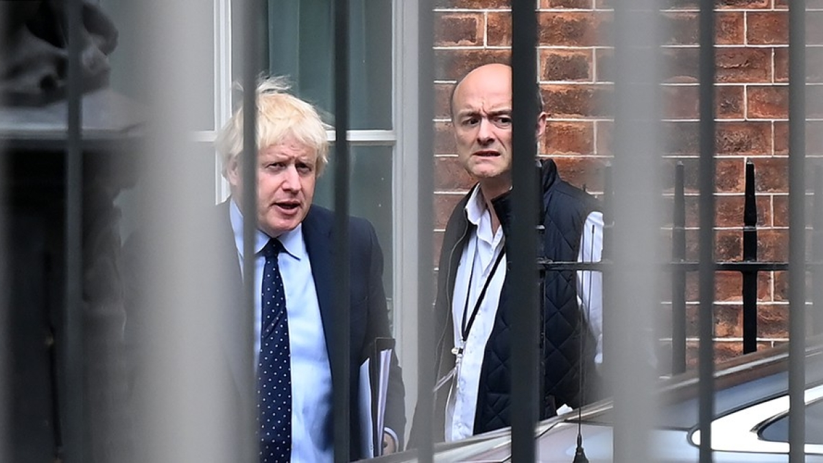 क्या कोरोना के कारण ब्रिटेन की सरकार खतरे में है