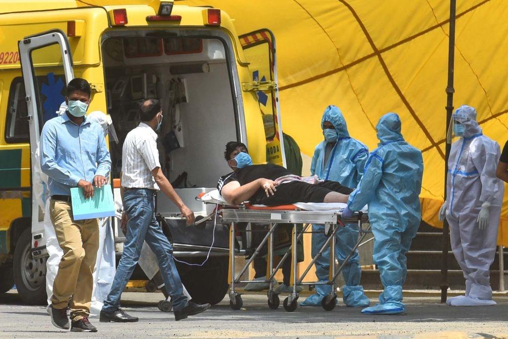 दिल्ली में 24 घंटे में कोरोना के 1,573 नए मामले, 37 मरीजों की मौत, 1,12,494 पहुंची संक्रमितों की संख्या