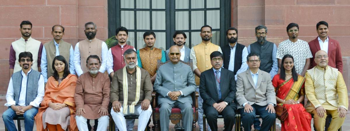 Kovind confers 61st Annual Lalit Kala Akademi Awards on 15 artists