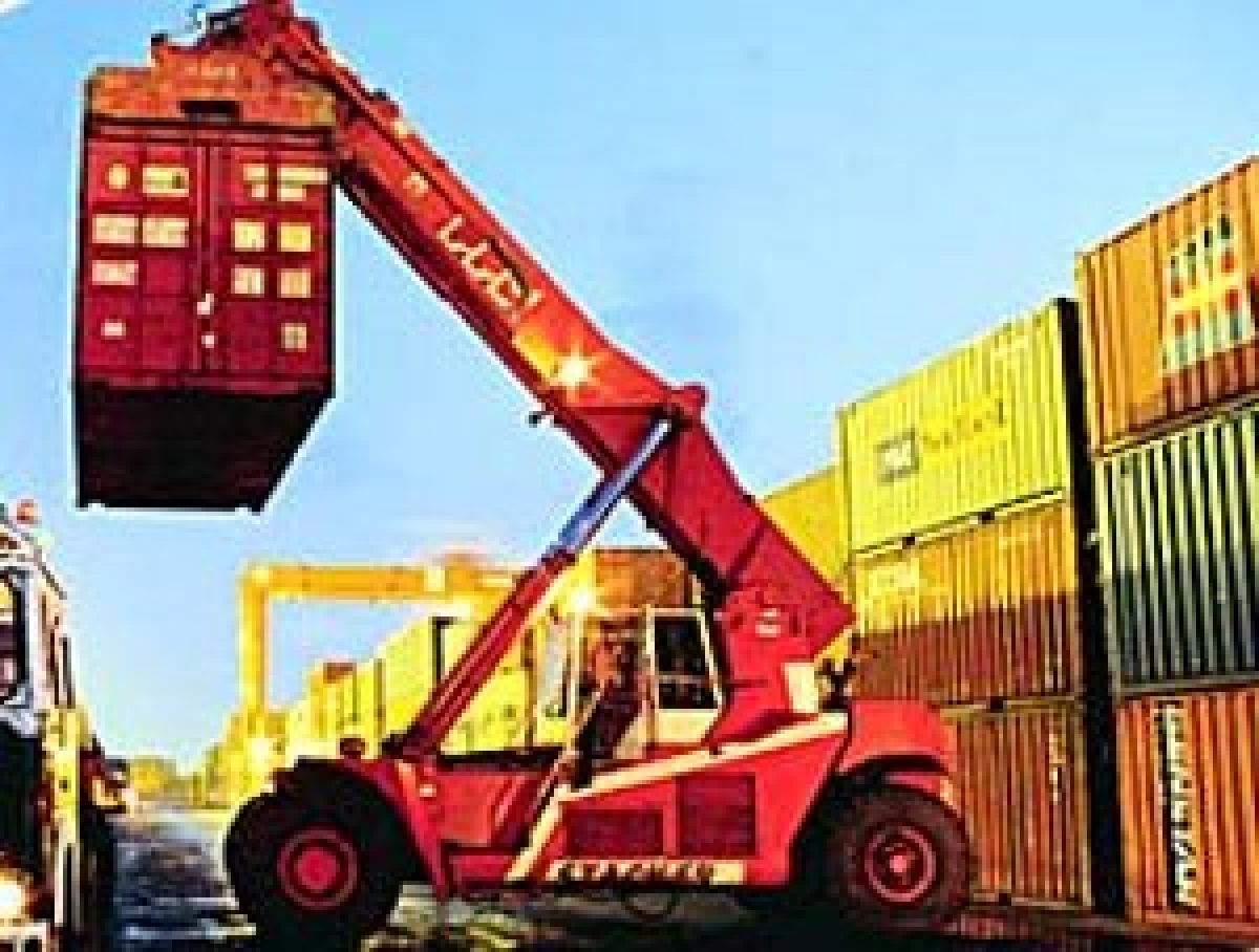 India's exports decline by 3.67% in February 2014 after seven months of growth