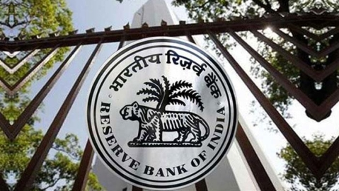 No question of closing down banks: RBI