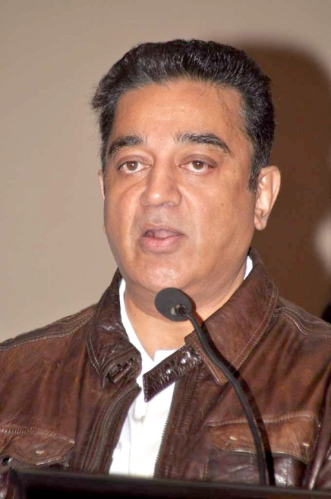 Kamal fans make TN Ministers run for cover
