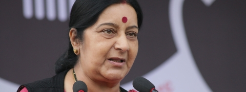 Sushma Swaraj holds 'wide ranging' talks with KP Oli in Kathamndu