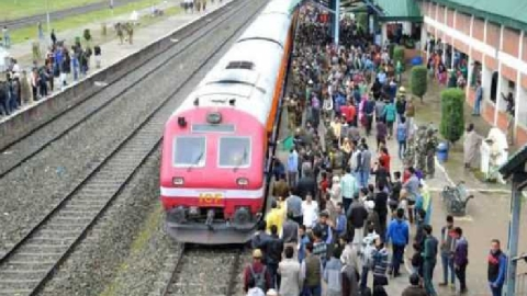 Despite strike call, train service resumes in south Kashmir