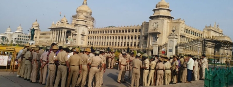Ruckus in Karnataka Assembly ahead of trust vote