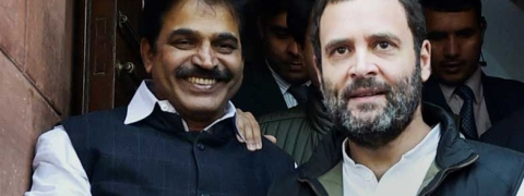 Venugopal along with Rahul Gandhi