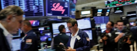 Stock markets roiled as US ups ante in trade conflict