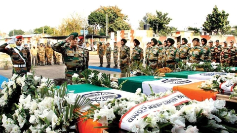Army pays tribute to soldiers martyred near LoC