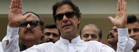 Pakistan dynasties unite against triumphant Imran