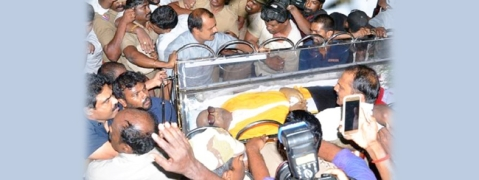 TN mourns Karuna's death, leaders pay homage at Rajaji hall