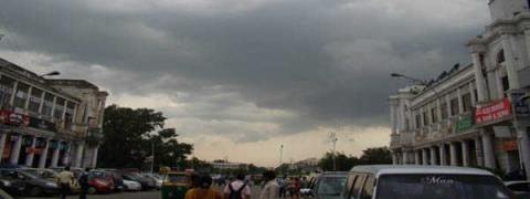 Cloudy morning in Delhi, rain expected