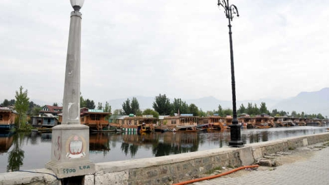 Dal Lake to lose heritage lights