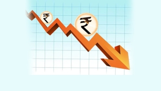 Global issues pull down Rs to 72.97