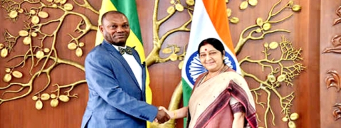Sushma meets Foreign Minister of Sao Tome and Principe