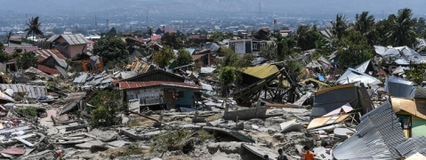 Three killed as strong quake hits Java and Bali