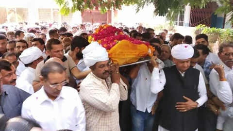 Ashok Gehlot's elder brother passes away in Jodhpur