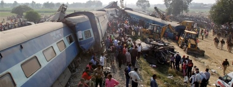 6 killed, 35 injured after Farakka Express derails in Rae Bareli