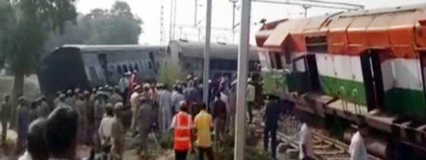 Farakka Exp derailment: Rly Minister announces Rs 5 lakh for those killed