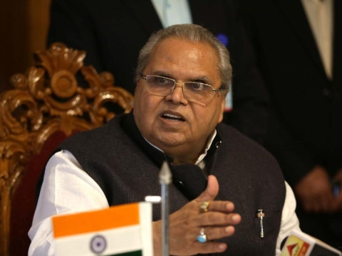 Transfer threat looms over Governor