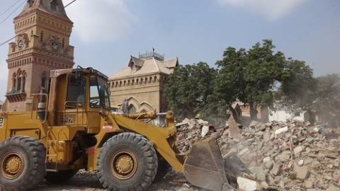 Karachi anti-encroachment operation: Centre to file review petition in SC
