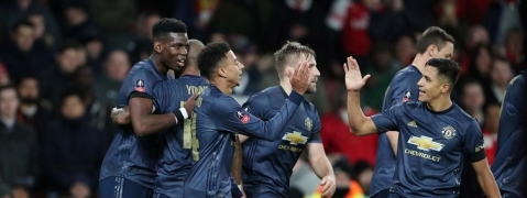 Manchester United beat Arsenal to reach FA Cup last 16