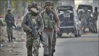 Security forces foil grenade attack, arrest militant in Kupwara