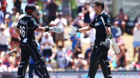 New Zealand win by 8 wickets against India