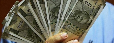 Minister's staff found with Rs 25.76 lakh cash stirs JD(S)-Congress government in Karnataka