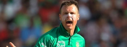 South African all-rounder Johan Botha announces retirement from cricket
