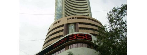Sensex bounces back by 341.90 pts on strong global cues