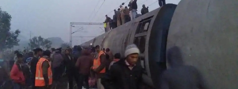 Six killed, several injured as nine coaches of Delhi-bound Seemanchal Exp derail in Bihar