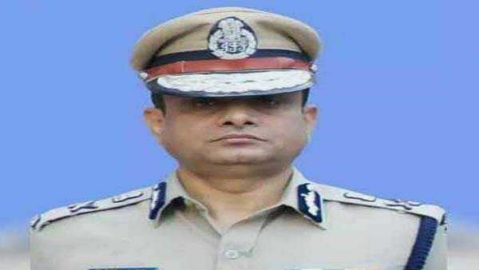 CBI summons former Trinamool leader Kunal Ghosh, Kolkata top cop Kumar in Shillong